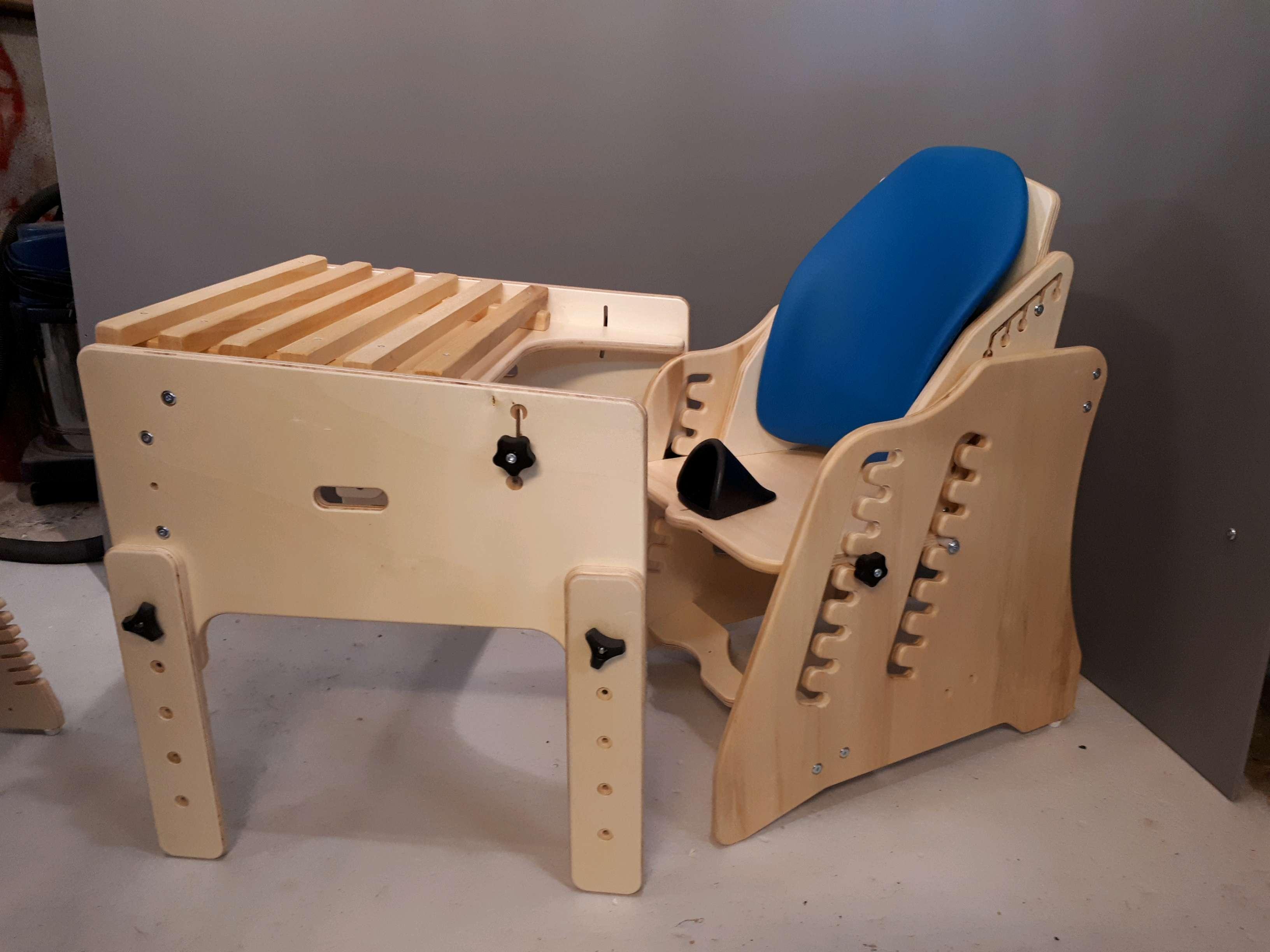 Le bureau de jules 10 ans gabamousse mobilier adapté pour